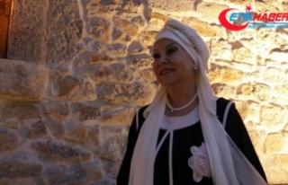 Bedia Akartürk: Türkülerin aslı bozulursa memleketin...