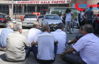 CHP Genel Merkezi önünde oturma eylemi