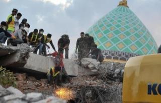 Endonezya'daki depremde ölü sayısı 131'e...