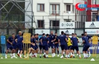 Fenerbahçe'de Benfica mesaisi sürüyor