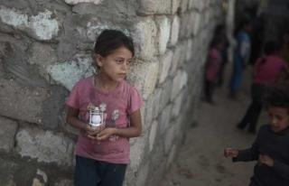 Gazze'deki terapötik süt eksikliği çocukların...