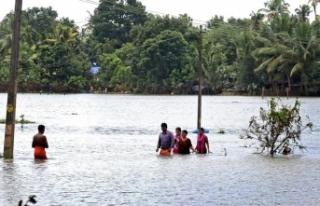 Hindistan'daki sel felaketinde hayatını kaybedenlerin...