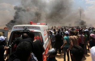 İsrail askerleri Gazze sınırında 2 Filistinliyi...