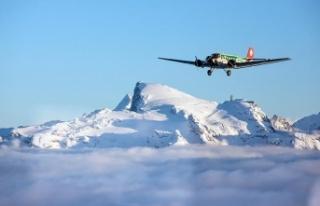 İsviçre'de Alp Dağlarında uçak düştü:...