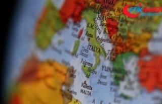İtalya'da otoyoldaki kaza patlamaya neden oldu