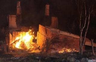 Kastamonu'da yangında 8 ev kullanılmaz hale...