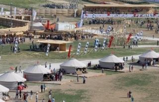 Malazgirt Zaferi etkinliklerine vatandaşlardan yoğun...