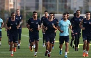 Medipol Başakşehir, Burnley maçına hazır