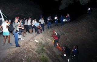 Off-Road sürücüsü 50 metrelik uçuruma yuvarlandı