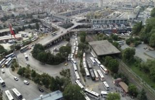 Otogarda kilometrelerce otobüs kuyruğu