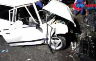 Otomobil asfalt serme aracına çarptı: 2 ölü