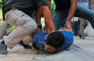 Polis uygulamasından kaçan Suriyeliler kovalamaca...