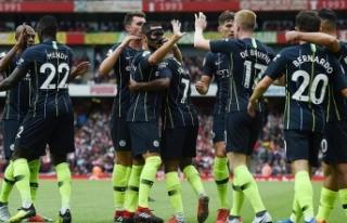 Son şampiyon Manchester City galibiyetle başladı