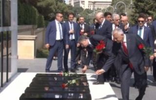 Yıldırım Azerbaycan ve Türk Şehitliklerini ziyaret...