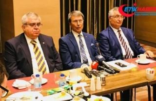 Yusuf Halaçoğlu, Özcan Yeniçeri ve Nevzat Bor,...