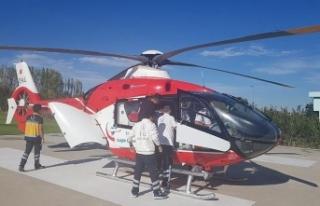 Ambulans helikopter minik Havvanur için havalandı