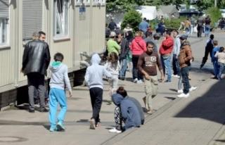 Avrupa'nın göbeğinde her 4 mülteciden biri polis...