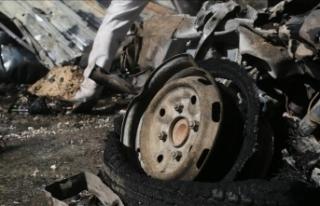 Bab'da sivillere ait araca yerleştirilen bomba...