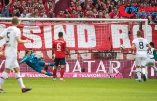 Bayern Münih evinde Bayer Luverkusen'i 3-1 ile...