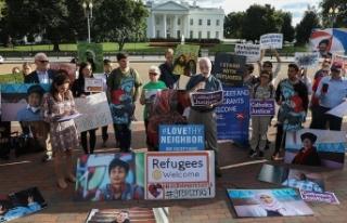 Beyaz Saray önünde Trump'ın mülteci azaltma...