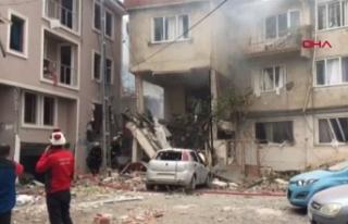 Bursa'da bir apartmanda doğalgaz patlaması