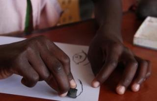 Ekvator Ginesi'ndeki FETÖ okulu TMV'ye...