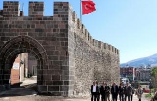 Erzurum Kalesi tarihi hüviyetine kavuşuyor