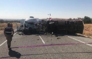 Gaziantep'te trafik kazası: 4 ölü, 22 yaralı