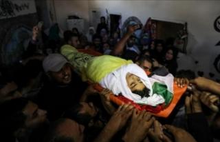 Gazze şehitlerini uğurladı