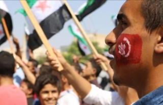 İdlib'deki rejim karşıtı gösterilerde Türkiye'ye...