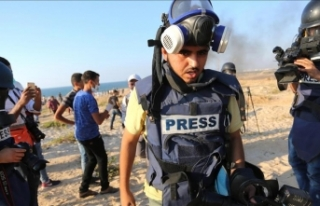 İsrail Gazze'de gazetecilere yönelik 130 ihlal...