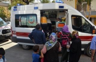 Karaman'da otomobil öğrenci servisiyle çarpıştı:...