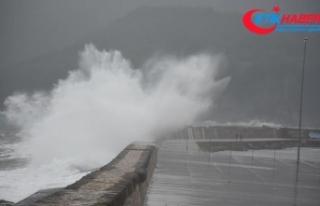 'Kestane karası fırtınası' Karadeniz'i...
