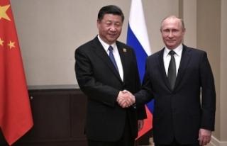 Rus Bakan Manturov: Batının yaptırımları Rusya...