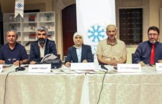 Şair Topbaşlı: Türk edebiyatı amatör çabalarla...
