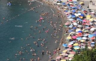 Türkiye 8 ayda 27 milyon turisti ağırladı