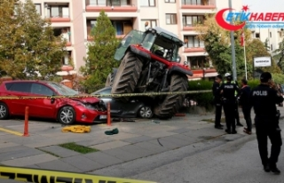 Ankara'da traktörle araçlara çarpan kişi...