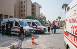 İzmir Adliyesindeki gaz sızıntısından etkilenen...