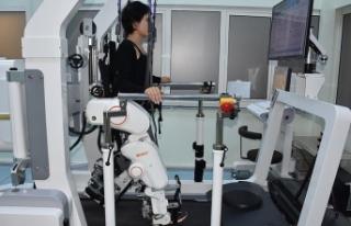 Kars'ta felçli hastalara 'robot'lu...
