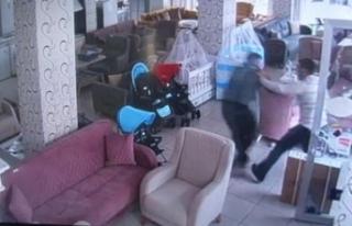 Küçükçekmece'de bıçaklı kavga kamerada