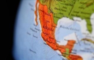 Meksika'da alışveriş merkezi inşaatı çöktü:...