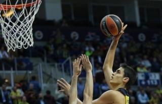 TBF'den milli basketbolcu Ömer Faruk'a...