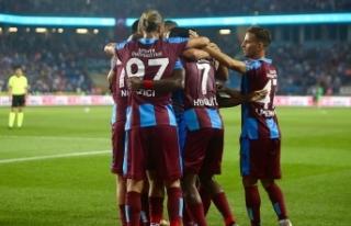 Trabzonsporlu 9 futbolcuya milli davet