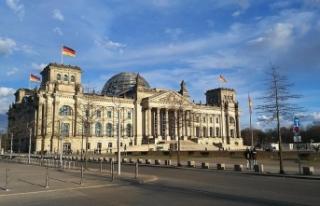 Almanya'daki yeni göç yasası Balkan nüfusunu...