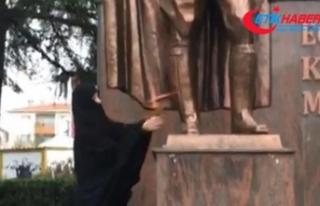 Atatürk Anıtı'na baltayla saldıran kadın...