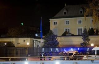 Avusturya Büyükelçiliği önünde ateş açan zanlılar...