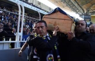 Fenerbahçeli Şener için tören düzenlendi