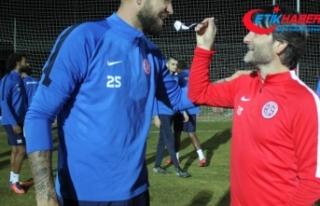 İbrahim Dağaşan Antalyaspor'da