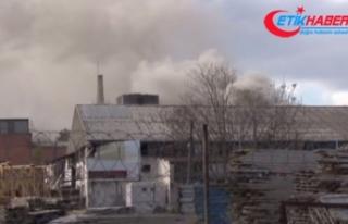 İstanbul'da Kartal'da plastik boru üreten fabrikada...