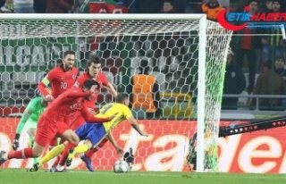 İsveçli milli futbolcu Berg: Hakem 2 penaltı sözü...